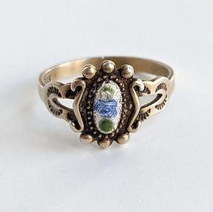 Vintage gold tone ring, split Shank, size 5.75